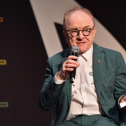Laurel, Gary and Mark Chat To Peter Asher!