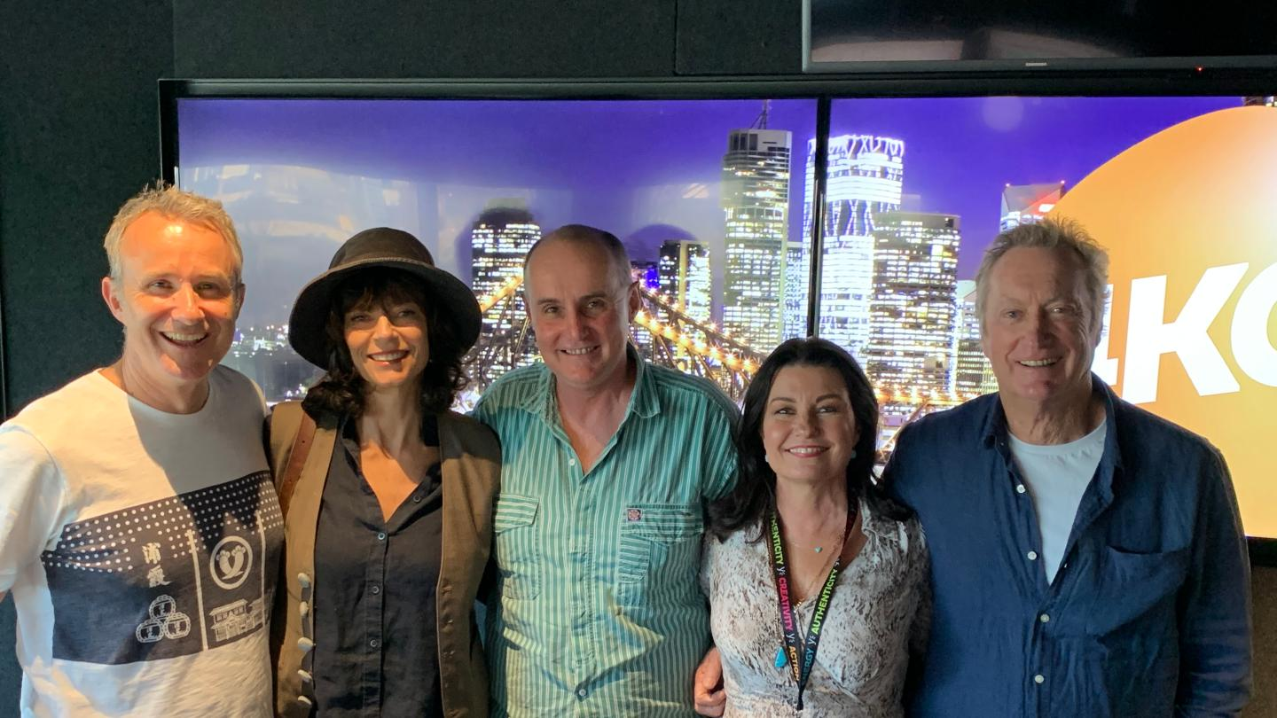 Laurel, Gary & Mark Chat to Rachel Ward & Bryan Brown!