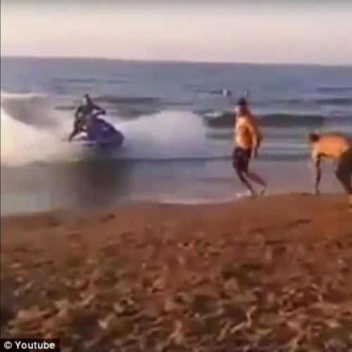 Horrifying Moment Out-Of-Control Jet-Ski Hits Beachgoer!