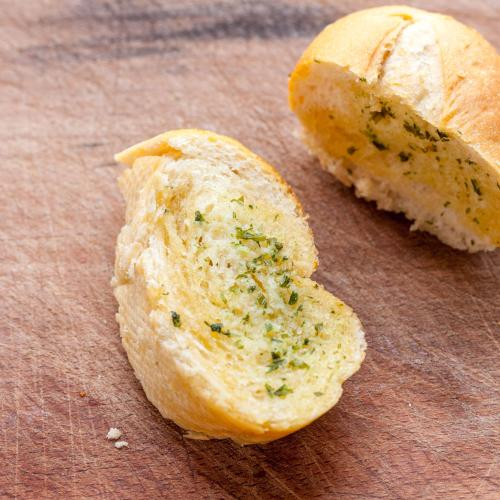 Bad News For Garlic Bread Lovers: Six More Types Recalled