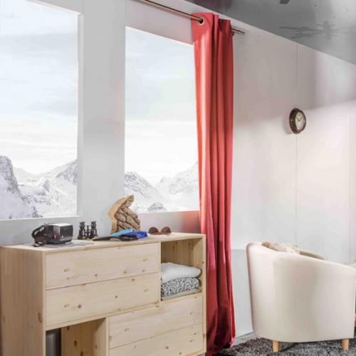 The Hotel That Dangles 9,000 Feet In The Air