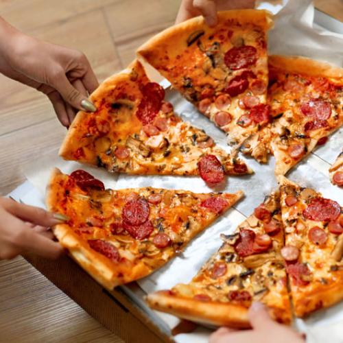 Portable Pizza Pouch Lets You Carry A Slice Wherever You Go