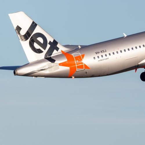 Jetstar Pilots Threaten To Strike Over Christmas