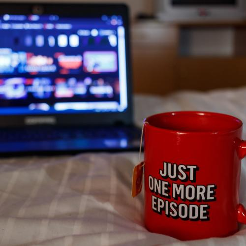 Early Boxing Day Deal: Here's How You Can Binge US Netflix & Score A Netflix Gift Card