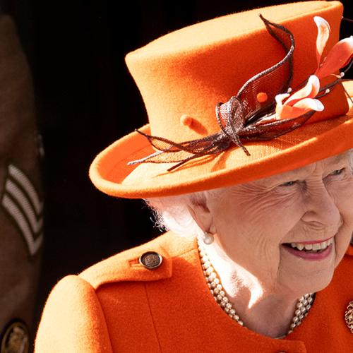 Smiling Queen in First Outing After Royal Split