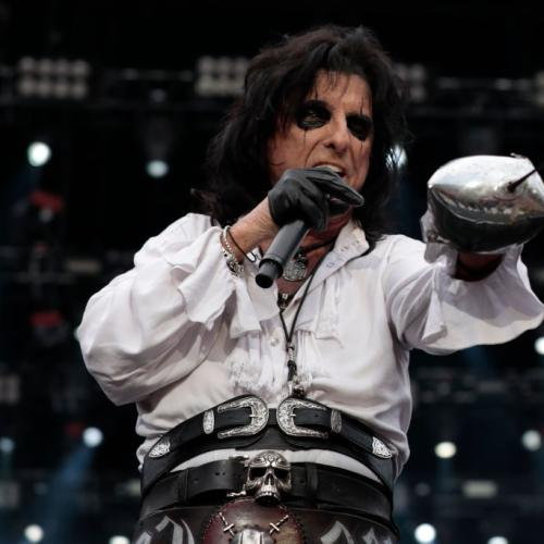 Alice Cooper's Mum and Dad Said What About His On-Stage Antics!?