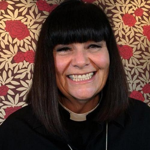 Dawn French Reprises 'Vicar of Dibley' For Series Of Short Christmas Episodes