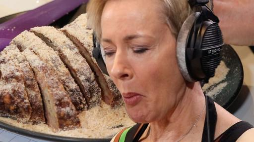 Amanda Keller Makes Us Aberdeen Sausage!