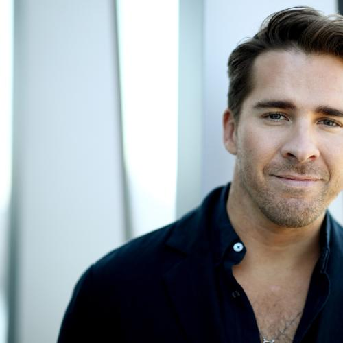 Packed To The Rafters Star Hugh Sheridan Celebrates Pride Month By Announcing They Are Non-Binary!